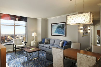 1.jpg | 3 Bedroom 3 King Premier Suite | Hilton Grand Vacations on the Las Vegas Strip