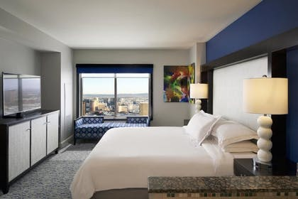4.jpg | 3 Bedroom 3 King Premier Suite | Hilton Grand Vacations on the Las Vegas Strip