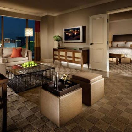 Living area | Sky View Queen Suite | Mandalay Bay Resort and Casino