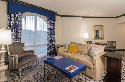 Living Room | Remodeled Elegant Suite 2 Queens | Paris Las Vegas