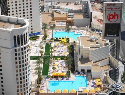 Pools | Planet Hollywood Resort & Casino