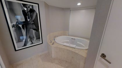Jetted Tub | Ultra Hip Panorama Queens Suite | Planet Hollywood Resort & Casino