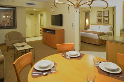 Dining Area | One Bedroom Suite | Polo Towers by Diamond Resorts