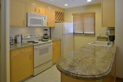 Kitchen 2 | One Bedroom Suite | Polo Towers by Diamond Resorts
