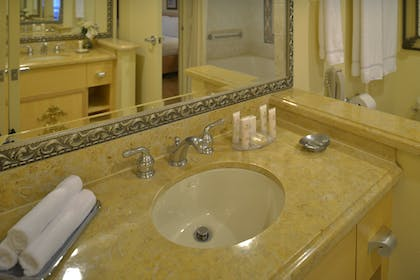 Bathroom | Two Bedroom Suite | Polo Towers by Diamond Resorts