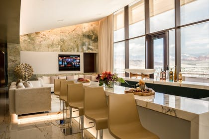 Bar area | Canyon Suite | Red Rock Casino, Resort and Spa