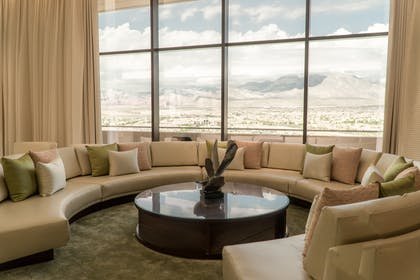 Living room | Canyon Suite | Red Rock Casino, Resort and Spa