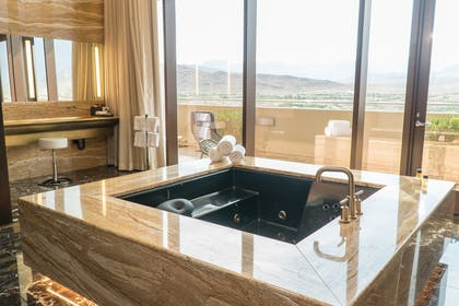 Jacuzzi | Top of the Rock Suite | Red Rock Casino, Resort and Spa