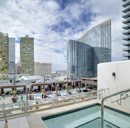 Jaccuzi | Bungalow | The Cosmopolitan of Las Vegas