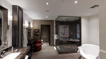 Bathroom 2 | Gallery Suite + 1 King | The Cromwell