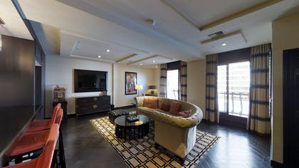 Living Area 2 | Gallery Suite + 1 King | The Cromwell