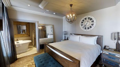 Bedroom 2 | Parlour Suite | Strip View | The Cromwell