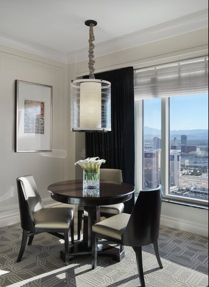 Luxury View Dining | Bella View Suite + Luxury View Suite | The Palazzo Resort Hotel & Casino