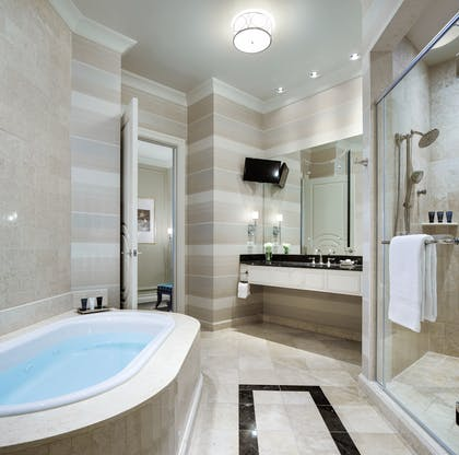 Bath | Lago Suite | The Palazzo Resort Hotel & Casino