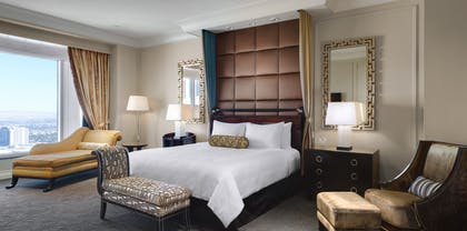 King Bed | Lago Two Bedroom Suite | The Palazzo Resort Hotel & Casino