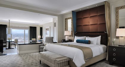 Luxury Bed | Luxury Suite + Luxury Suite | The Palazzo Resort Hotel & Casino