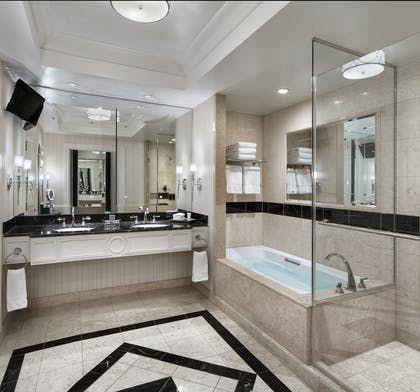 Luxury Bath | Luxury Suite | The Palazzo Resort Hotel & Casino