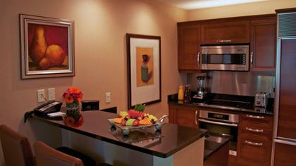 Kitchen | Signature One Bedroom Balcony Suite | The Signature at MGM Grand