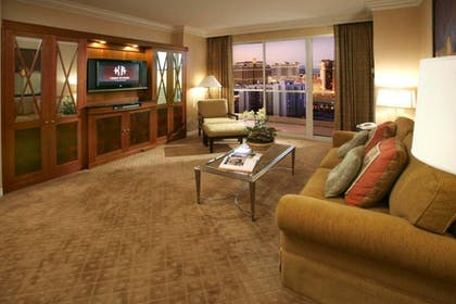 Living room | One Bedroom Balcony Suite + Deluxe Suite | The Signature at MGM Grand