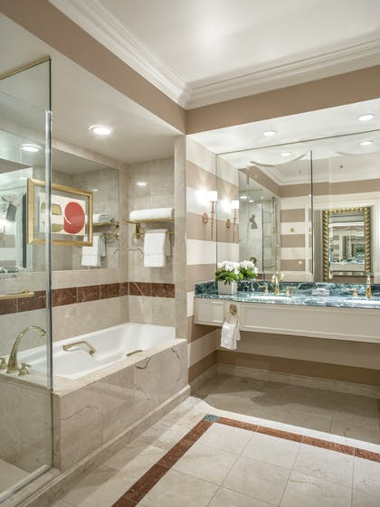 Bathroom | Luxury View Suite + Luxury View Suite | The Venetian Resort Hotel & Casino
