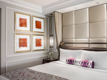 Bed | Luxury View Suite | The Venetian Resort Hotel & Casino