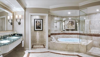 Bath 1 | Piazza Suite | The Venetian Resort Hotel & Casino