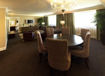 Living Room | Forum Classic Suite | Caesars Palace