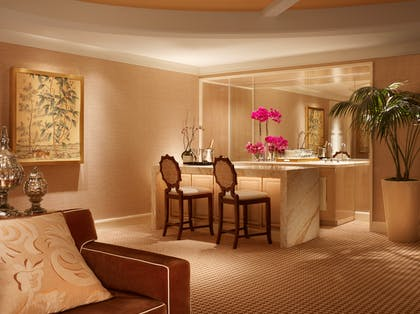 Bar | Encore Salon Suite | Encore at Wynn Las Vegas