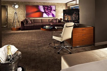 Living Room | Executive King Suite | MGM Grand Hotel & Casino