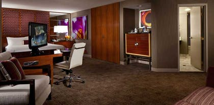 Living Space | Executive King Suite | MGM Grand Hotel & Casino