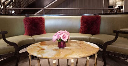Lounge Centerpiece | Bungalow | The Cosmopolitan of Las Vegas