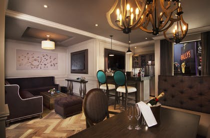 Sitting Area | Boulevard Suite | Strip View | The Cromwell