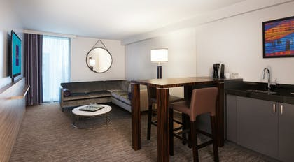 Living Room | King Suite | The LINQ Hotel & Casino
