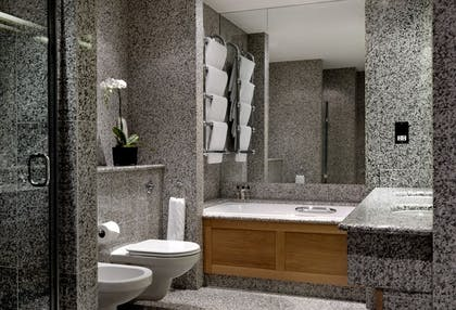 Bathroom | Junior Loft Suite | Covent Garden Hotel