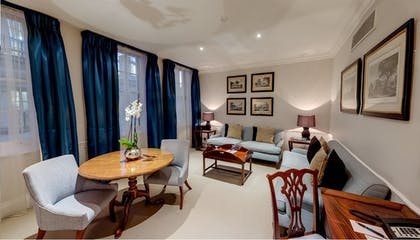 Living room | Deluxe Suite | DUKES Hotel