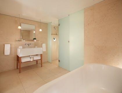 Bathroom | Loft Junior Suite + Superior Double Double | St Martins Lane Hotel