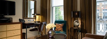 Living room | Executive Junior Suite + Deluxe Room | The Arch London