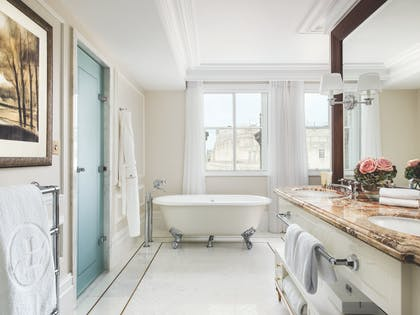 Executive Room - Bathroom | One Bedroom Residence + Executive Room | The Langham Hotel, London