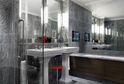 Bathroom | Deluxe Junior Suite | The Soho Hotel