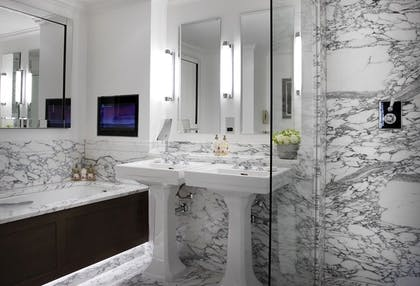 Bathroom | Two Bedroom Richmond Suite | The Soho Hotel