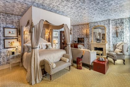 Bedroom | Carriage House Junior Suite | The Stafford London