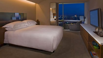 Bedroom | Andaz Red Suite | Andaz West Hollywood