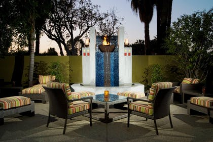 Outdoor Area | DoubleTree by Hilton Hotel Los Angeles - Westside