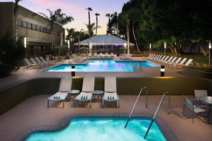 Outdoor Pool | DoubleTree by Hilton Hotel Los Angeles - Westside