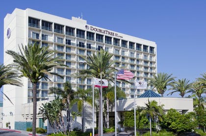 Hotel Exterior | DoubleTree by Hilton Hotel Torrance - South Bay