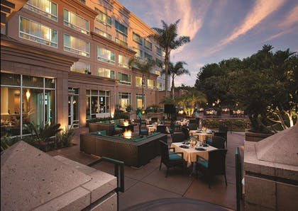 Night Dining | DoubleTree Suites by Hilton Santa Monica