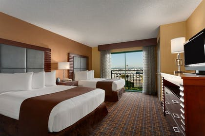 40444_127_z.jpg | 2 Room Premium Suite - 2 Double Beds - Nonsmoking | Embassy Suites by Hilton Los Angeles International Airport South