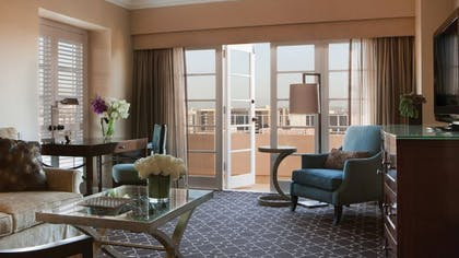 Living room | Grand Luxury Suite | Four Seasons Los Angeles at Beverly Hills
