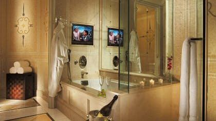 Bathroom | Presidential Suite West | Four Seasons Los Angeles at Beverly Hills