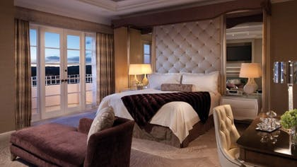 Bedroom | Presidential Suite West | Four Seasons Los Angeles at Beverly Hills